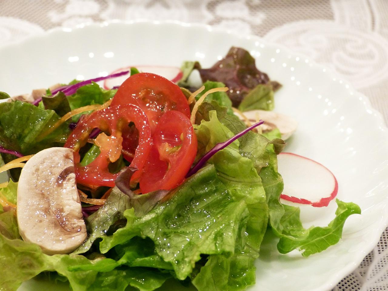 サラダにかけて美味しく食べる